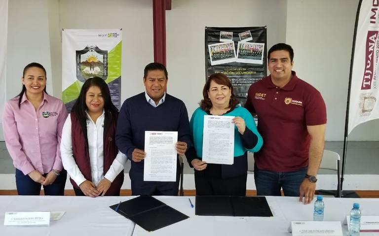 Firman convenio Imdet y Escuela Normal Fronteriza