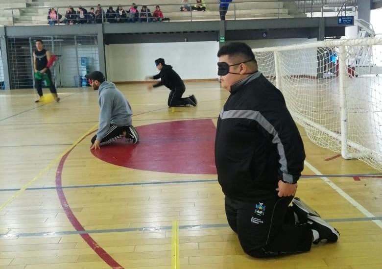 Participan alumnos de la ENFT en el 4to. Torneo de Golbol, deporte incluyente
