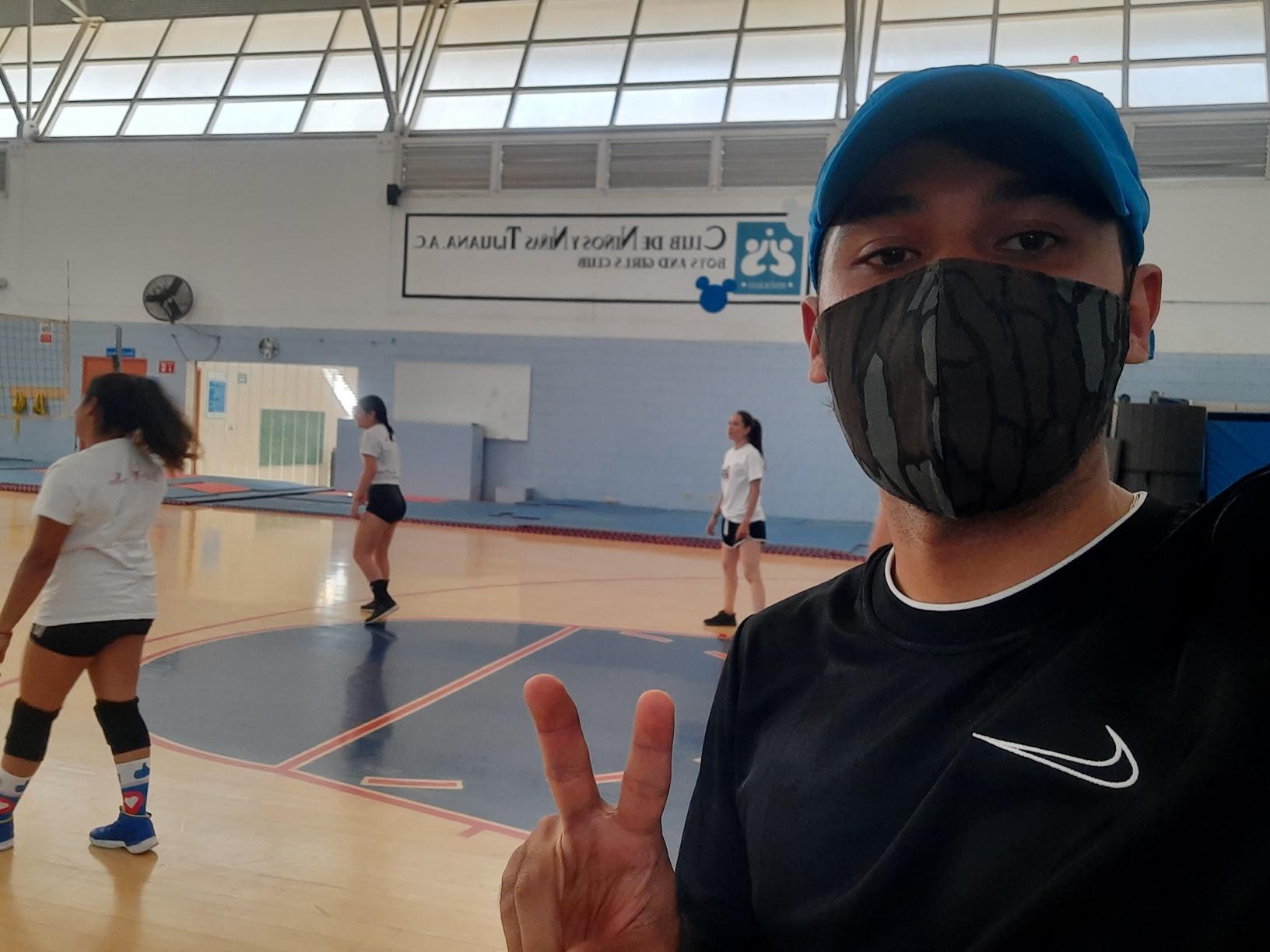 Participa el equipo de voleibol de la ENFT en encuentro.